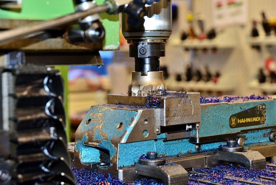 Frezowanie CNC i dodatkowe czynności związane z obróbką detali metodą skrawania