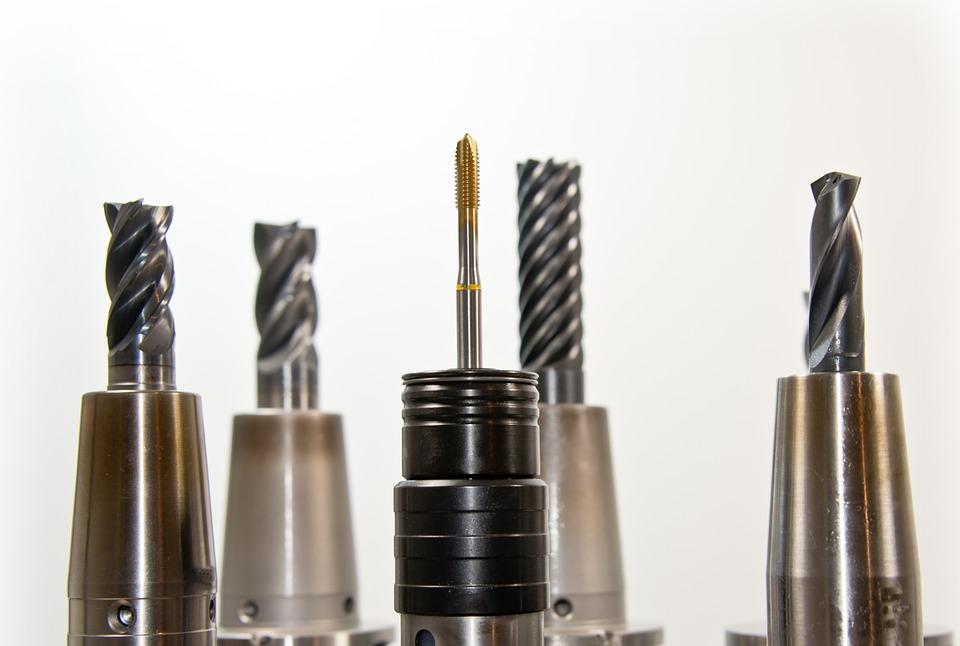 Gwintowanie CNC przez nowoczesne tokarki i frezarki sterowane numerycznie