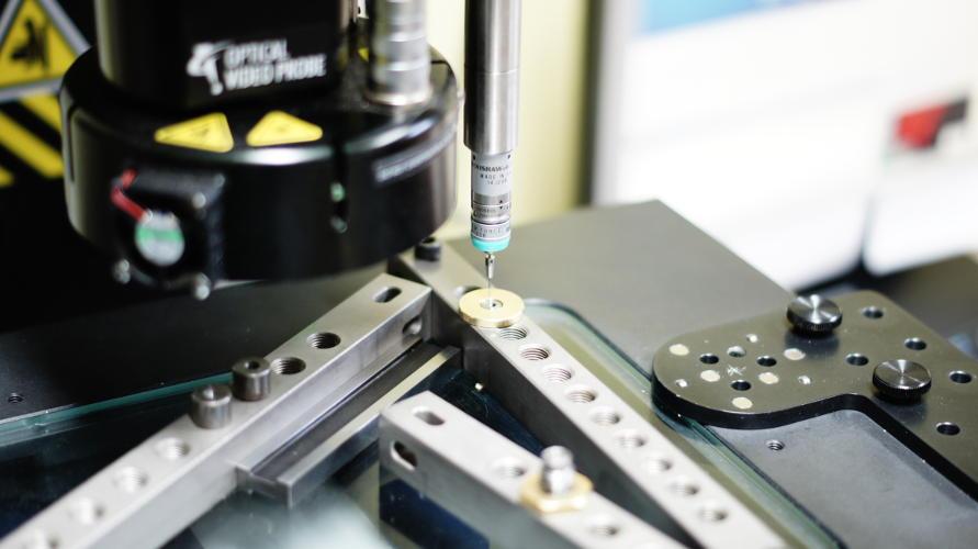 Stykowo optyczna maszyna pomiarowa